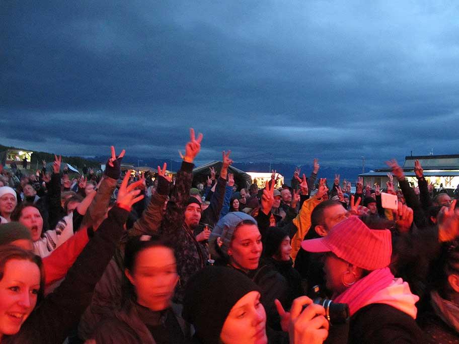 Hippier på Karlsøyfestivalen